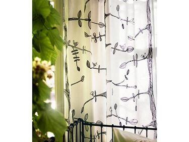 Dal salotto alla cucina, dalla camera da letto alla cameretta dei ragazzi, dal bagno fino agli spazi esterni, non c'è spazio in cui le tende Ikea non siano capaci di portare comfort ed un tocco originale! http://www.arredamento.it/tende-ikea.asp  #tende #ikea