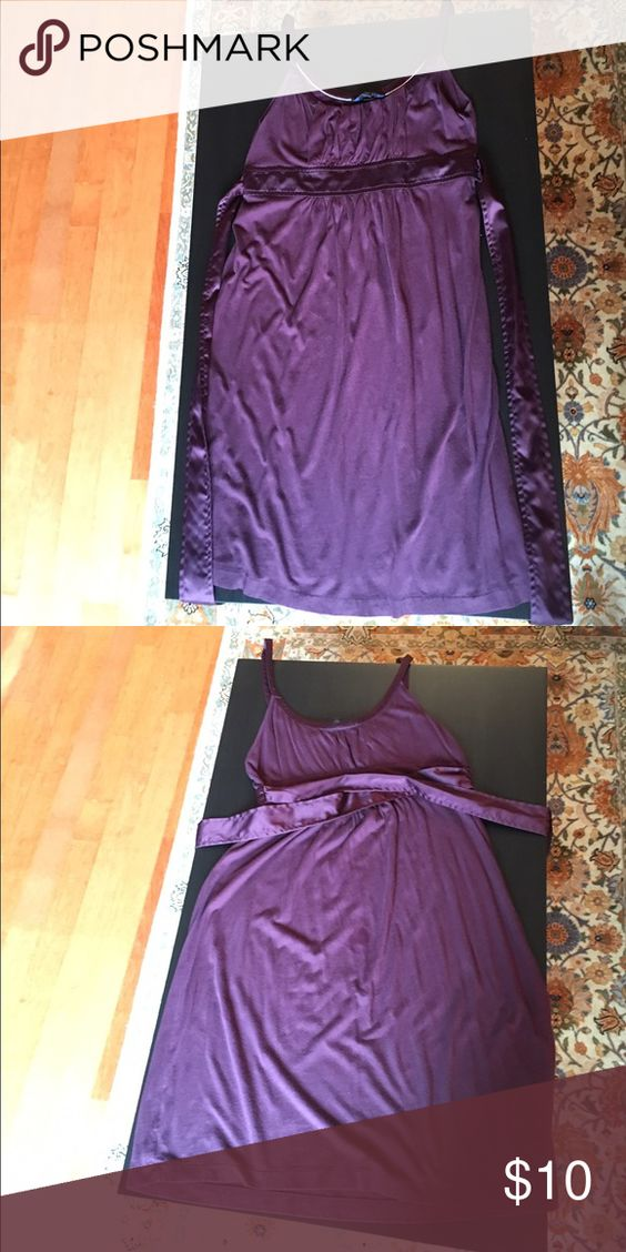 American Eagle sundress cotton purple size medium Cute sundress from American Eagle. Made of soft cotton with satin shoulder straps and waist band. Band can be tied in to bow in back. Bundle to save 20%! American Eagle Outfitters Dresses Midi