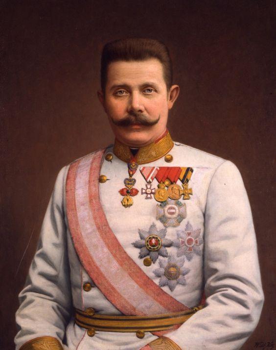 Franz Ferdinand geboren in de plaats Graz (1863-1914). hij was in de tijd van de eerste wereldoorlog de kroonprins van Oostenrijk-Hongarije. dit land hoorde bij de centralen. dit was voor een bondgenootschap wat betekent dat je elkaar verdedigd en helpt zo nodig. op een dag bezoeken hij en zijn vrouw de plaats Sarajevo. op die dag wordt er een aanslag gepleegd op hem, dit mislukt. Gavrilo Princip, een Servische nationalist, kwam hem na het bezoek tegen. Princip heeft hem vermoord..