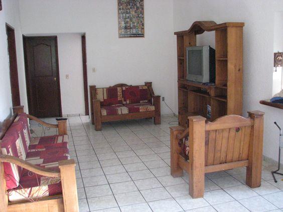 Sala casa Caoba con TV por cable. www.cocoyocbienesraices.com.mx