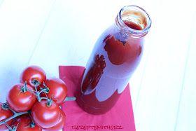 Boah ist der lecker....   Homemade Ketchup. Super tomatig, tolle Konsistenz und das fast ohne Zucker.   Wir lieben diesen Ketchup. Er ist ...
