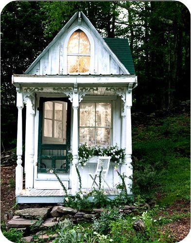 Love this little cottage!