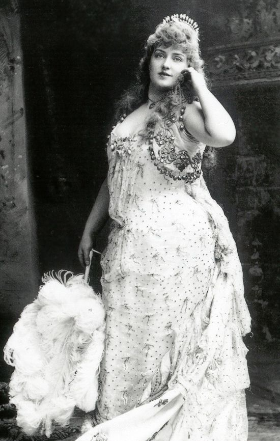 Lillian Russell. A                                                plus size beauty in the                                                late 1800s. She was                                                around 200 lb at the                                                peak of her career. She                                                was considered