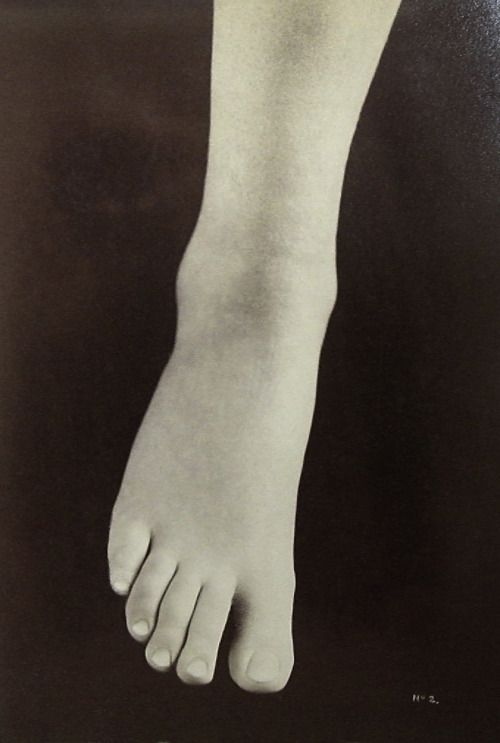 Virginia Harned - Trilby's Foot, 1895