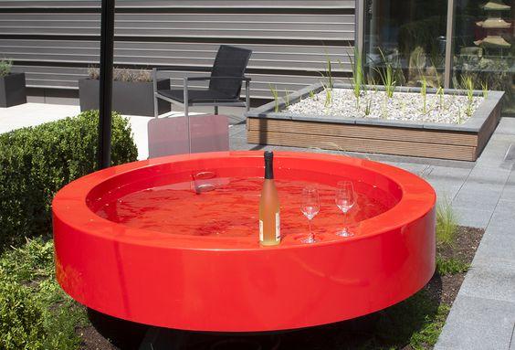 Die schicke Outdoor-Badewanne mit externer Beheizung