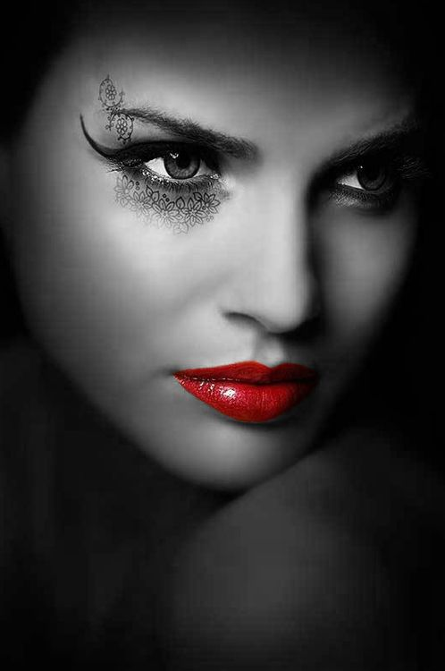 Color splash rojos❤ pinterest colour splash lips and face