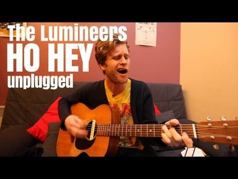 The Lumineers - Ho Hey (unplugged and solo) http://www.madmoizelle.com/lumineers-ho-hey-solo-153355