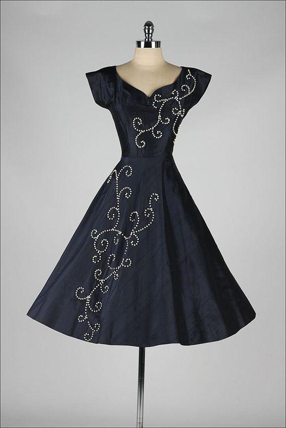 vintage 1950s dress . blue silk . wood beads by millstreetvintage: