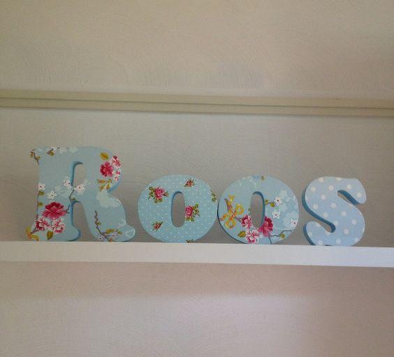 Kinderkamer Houten Letters Kinderkamer: Houten letters. Zilveren ...