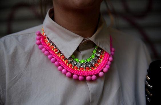Elije un collar espectacular que le de vida a cualquier outfit.