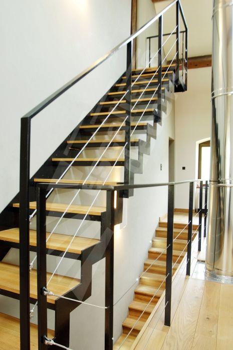 escalier droit m tal et bois dt46 esca 39 droit avec palier d 39 arriv e marches caisson bois. Black Bedroom Furniture Sets. Home Design Ideas