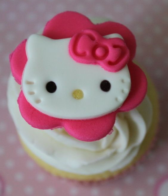 hello kitty fondant cupcake topper from baby lifestyles on ...