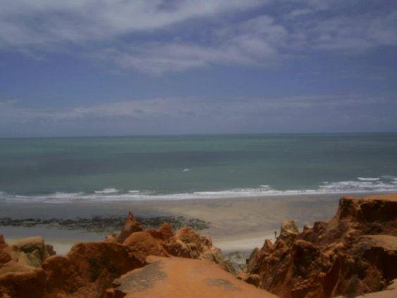 Morro Branco - Ceará -  Triicotando   Por Milena Farias e Giovanna Farias www.triicotando.com www.facebook.com/triicotando Instagram: @triicotando_
