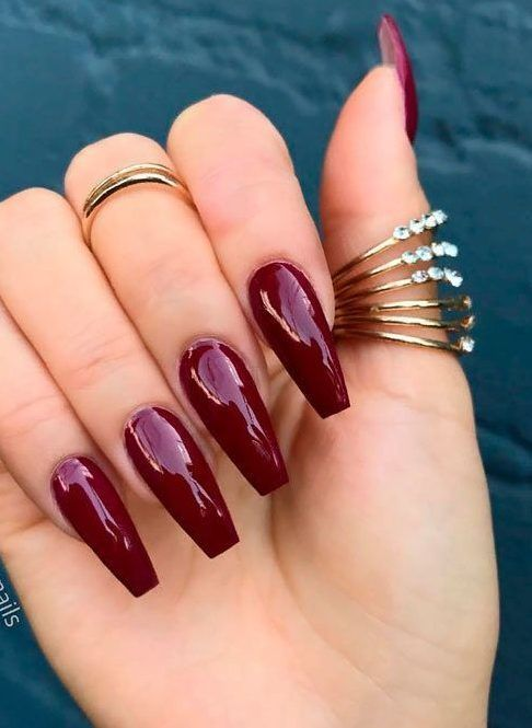 40 Beautiful Burgundy Colored Nails With Designs Relaxwoman In 2020 Burgundy Acrylic Nails Burgundy Nails Red Nails