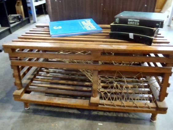 Lobster trap table on kijiji montreal montreal vintage for Kijiji montreal furniture