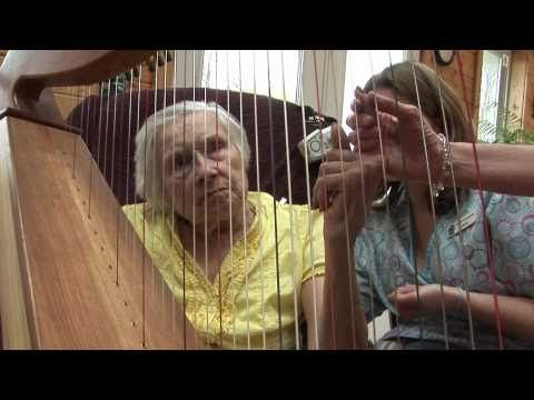 Music Therapy is becoming a powerful tool in the treatment of Alzheimer's and Dementia. Meet two women who share their remarkable talent. More info: http://www.boombabyboomer.com http://www.lakeviewranch.com http://www.musicalreflections.com http://www.brilliantimageproductions.com http://noteworthyhealth.com ...