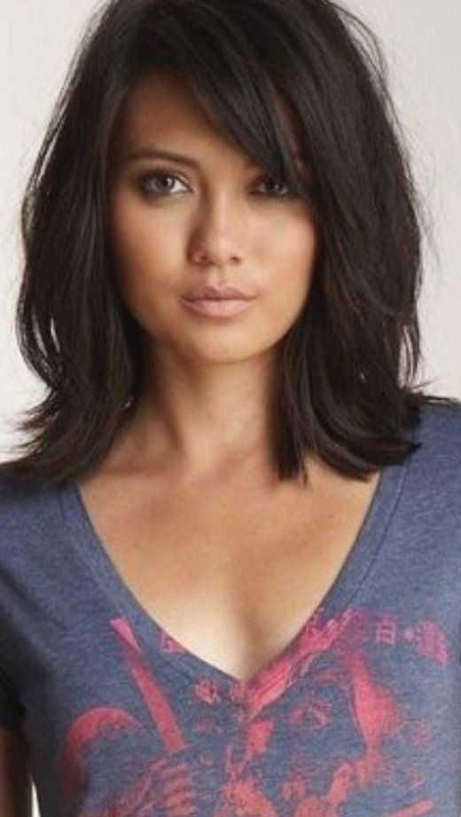 15 Of The Cutest Medium Length Layered Hairstyles Must Know Tips In 2020 Medium Length Hair Styles Medium Length Hair With Layers Haircuts For Long Hair With Bangs