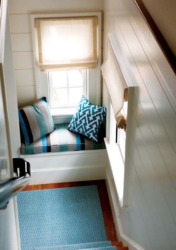 Landing window seat: Interior Decorating, Window Nook, Reading Nooks, 081211Windowseats 05 Jpg, Livingroom Windowseat, Window Seats, Stairway Window, Diy Ideas Inspiration, Beautiful Bedrooms