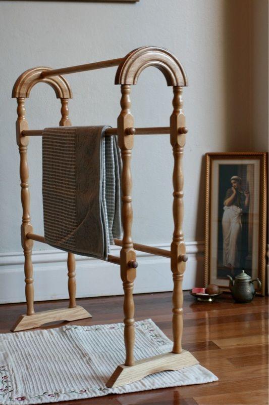 Beautiful Wooden Towel Rail Rack Vintage Classic Timber