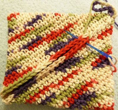 I'm glad I found this pattern, I lost my original one! This potholder is so heavy and durable! Bev's Turn on itself Potholder