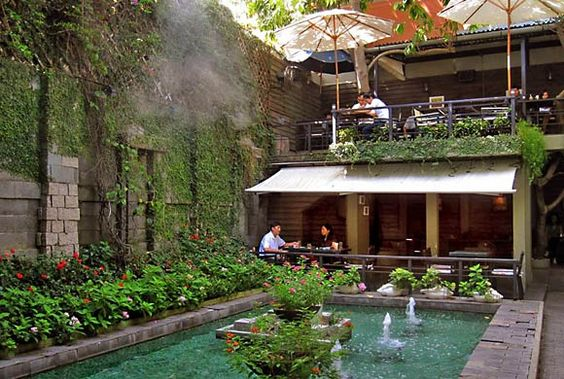 the fountains at Du Mien Café in Ho Chi Minh City, Vietnam