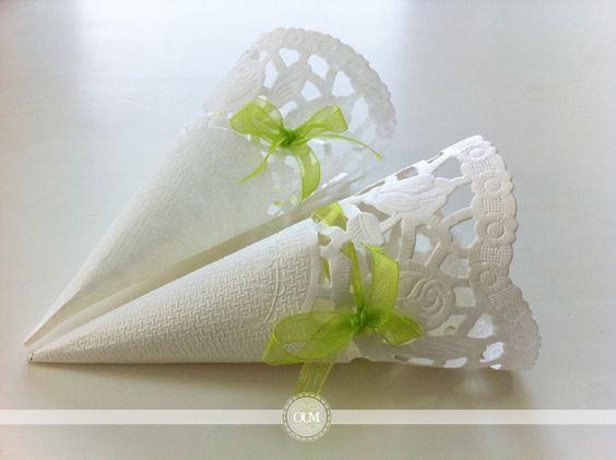 Diy jolis cornets en napperons pour votre lancer de p tales de riz de lavande roses for Deco mariage a faire soi meme