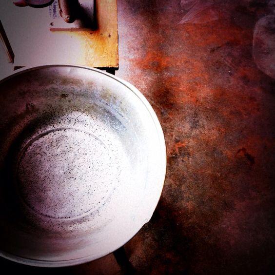 アルミの洗面器。 こんな美しい洗面器は見たことない。