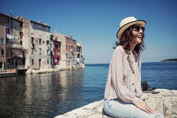 Looks que usei na Croácia! Camisa de bolinha vintage, jeans Zara, bolsa Cris Barros, óculos LGR! Vic Ceridono | Dia de Beauté