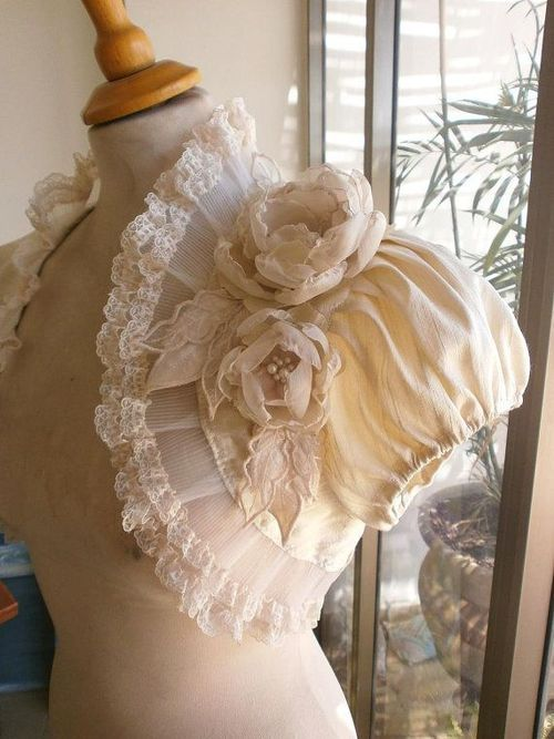 This would be amazing as a Wedding capelet/bolero. Its beautiful.