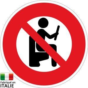 panneau humour interdit de lire sur les toilettes panneaux insolites pinterest humour et. Black Bedroom Furniture Sets. Home Design Ideas