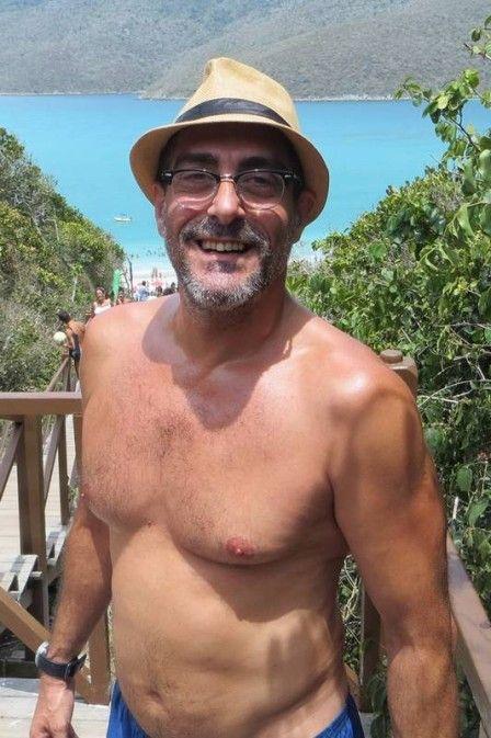 Dono do bumbum mais famoso da TV, Vinícius Manne chega aos 50 e fala do nu masculino em 'Verdades secretas': 'O meu não era erotizado'