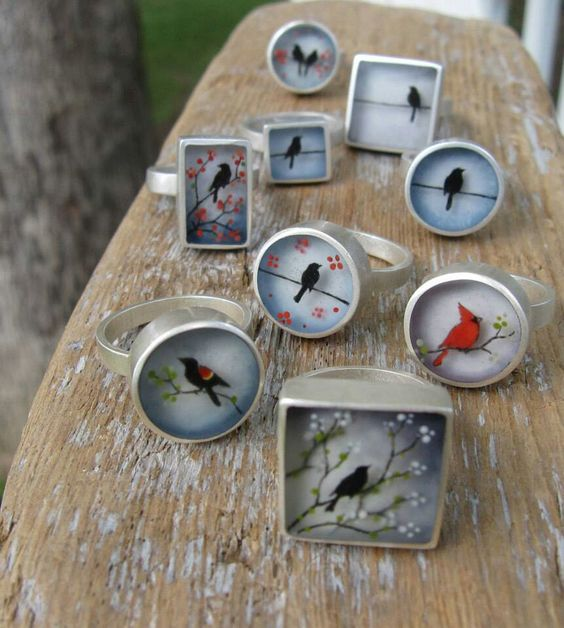 I want the rectangle one but with the red winged black bird! ♥