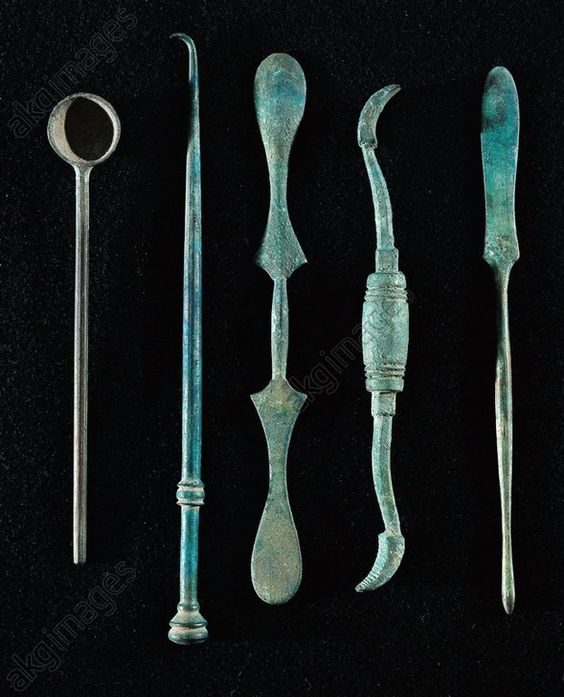Surgical instruments. From Pompei - Rome, Museo Storico Nazionale Dell'Arte Sanitaria (Medical Art Museum):