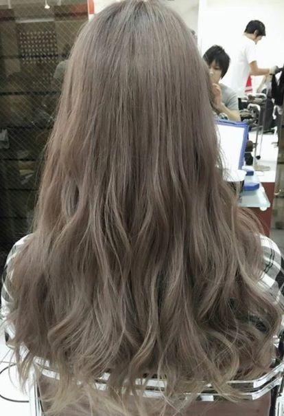 ハイトーングレーカラー ロング グラデーションカラー ロング 髪色 グラデーション ヘアモデル