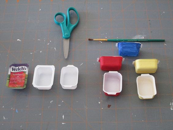 Miniature 'pyrex dishes' - diy idea from restaurant mini jam plastic containers (image with comments underneath).