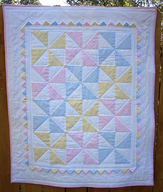Pastel pinwheel quilt with prairie points. Cute baby quilt. I ... : cute baby quilts - Adamdwight.com