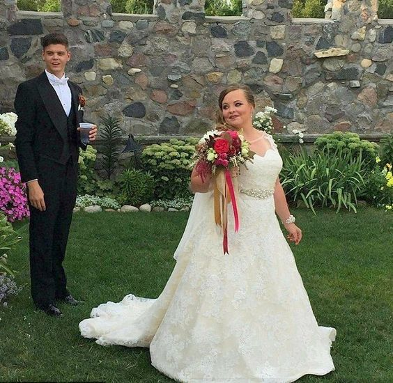 Teen Mom stars Catelynn Lowell and Tyler Baltierra have tied the knot, after dating for ten years since seventh grade. Congrats to the adorable couple!