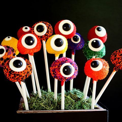 23 Halloween Cake Pops That Are Almost Too Cute To Eat With