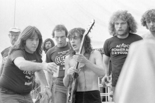 NO FELIPING: los discos de AC/DC de peor a mejor - Página 19 C00d65f271fd1df247e4af27779fbee7
