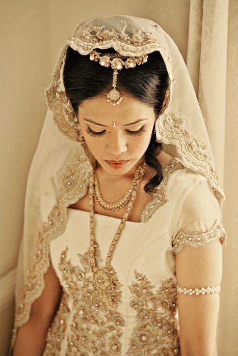 #Beautiful Indian bride. #NoelitoFlow Instagram.com/lovinflow Please Follow and Repin! Thanx!! =)