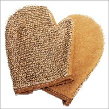 Buy Natural Jute Glove wholesale at ancientwisdom.biz These luxurious bathing accessories, massage and exfoliating gloves and back scrubs have properties blended to create a real feeling of freshness. Ideal for exfoliating, removing dead skin cells and leaving your skin soft and renewed. Perfect for spa and massage centres these scrubs and sponges are completely biodegradable and therefore environmentally friendly.