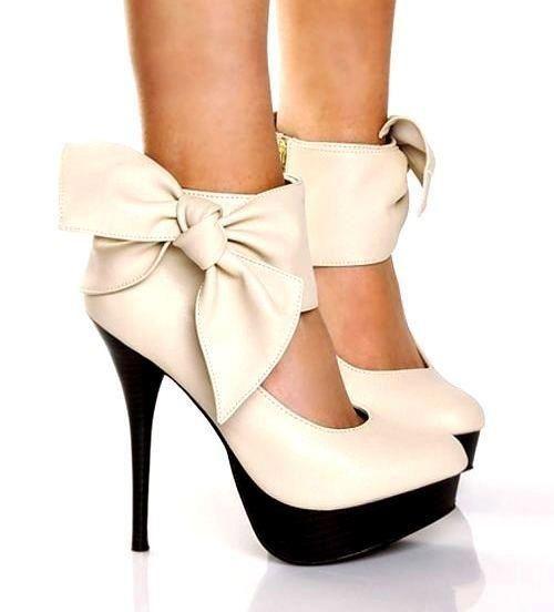Creme heels schleife