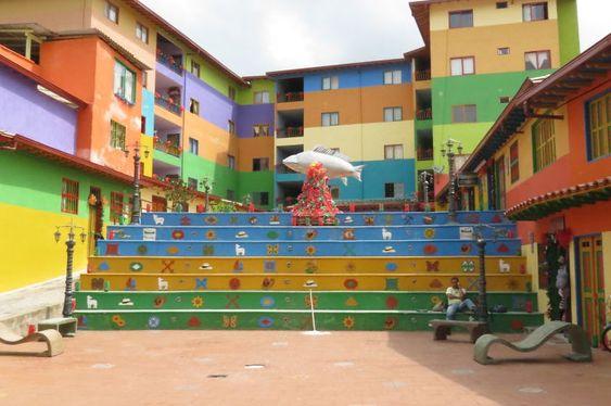 colores-guatapc3a9__700.jpg (700×465)