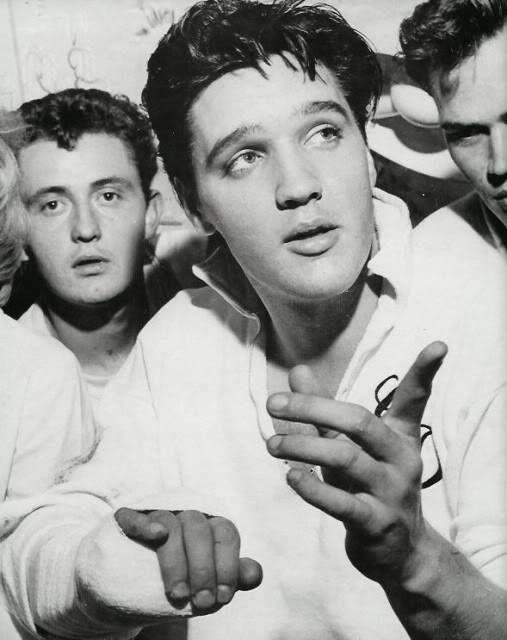 Buzzjack Music Forum Post Your Fave Elvis Pics Here Elvis Presley Elvis Presley Photos Young Elvis