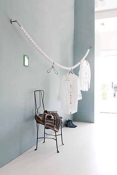 """witte """"garderobe kast"""". diy met kabel van ikea en witte houten, Innenarchitektur ideen"""