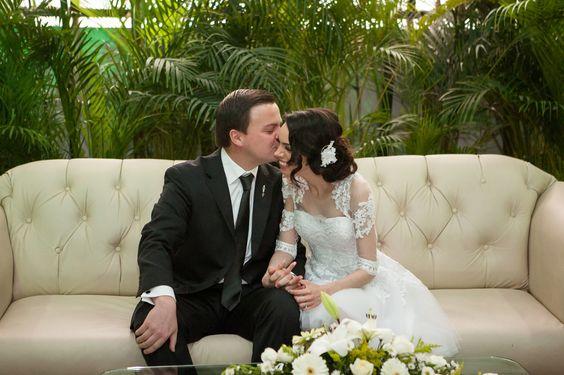 vestido corto en tul y encaje color blanco  mangas y peto en  montados de lace