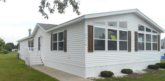 2000 Skyline Mobile / Manufactured Home in Clarkston, MI via MHVillage.com