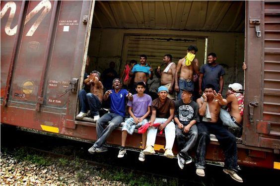 Migrantes hondureños no la pasan bien en México