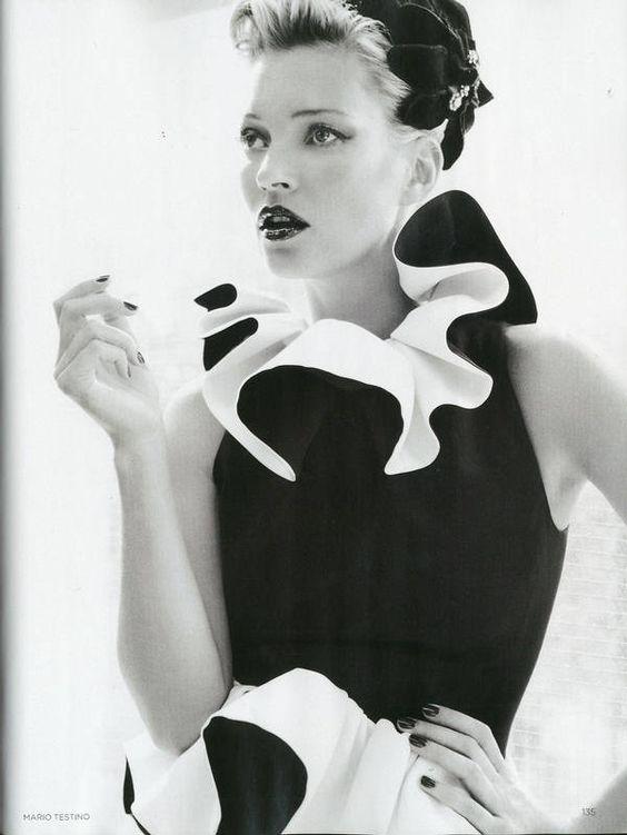 Vogue UK . Kate Moss . Mario Testino