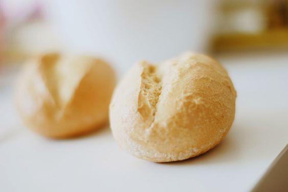 Iby Lippold Haushaltstipps : Hartgewordene Brötchen - So erweckt man Teigsteinc...  - Hard bread - Wake Dough Stones back to life